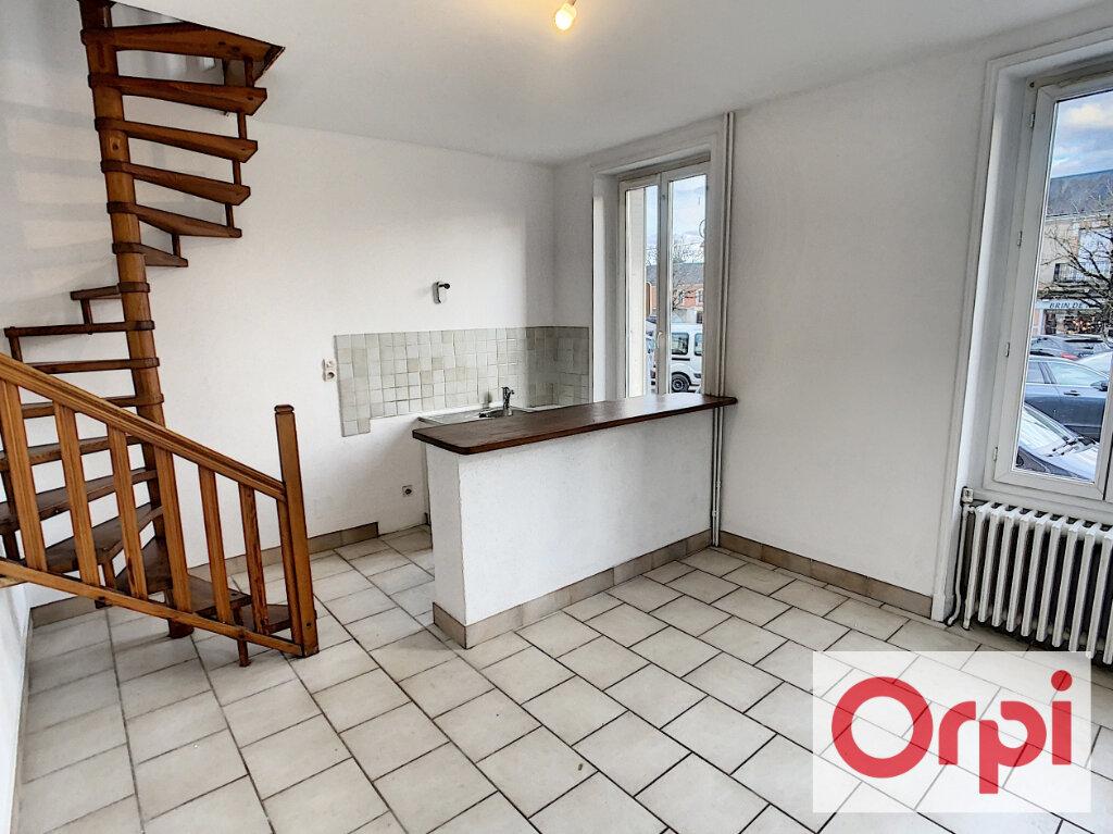 Appartement à louer 2 35.4m2 à Romorantin-Lanthenay vignette-1