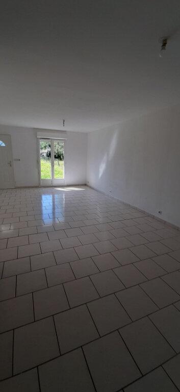 Maison à louer 4 85m2 à Fontguenand vignette-2