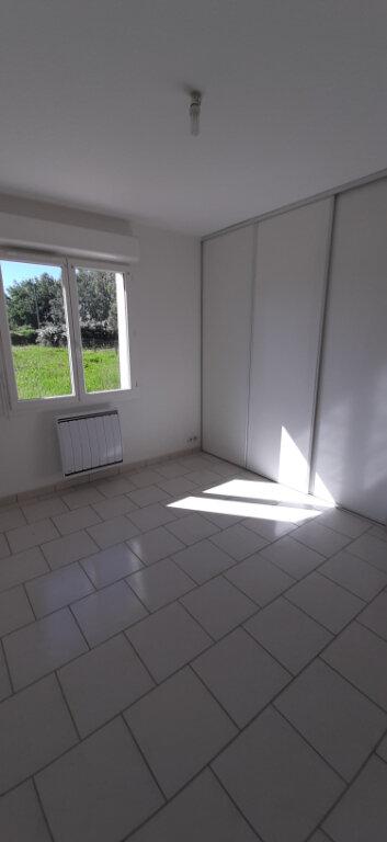 Maison à louer 4 85m2 à Fontguenand vignette-4