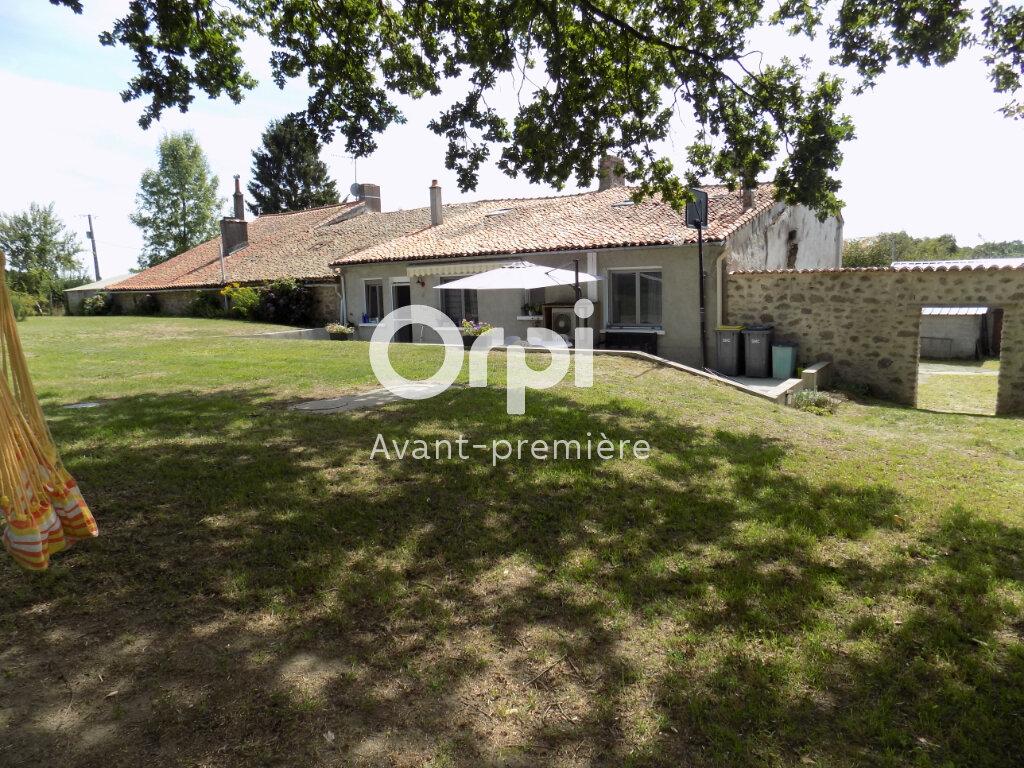 Maison à vendre 6 140m2 à Saint-Aubin-le-Cloud vignette-2