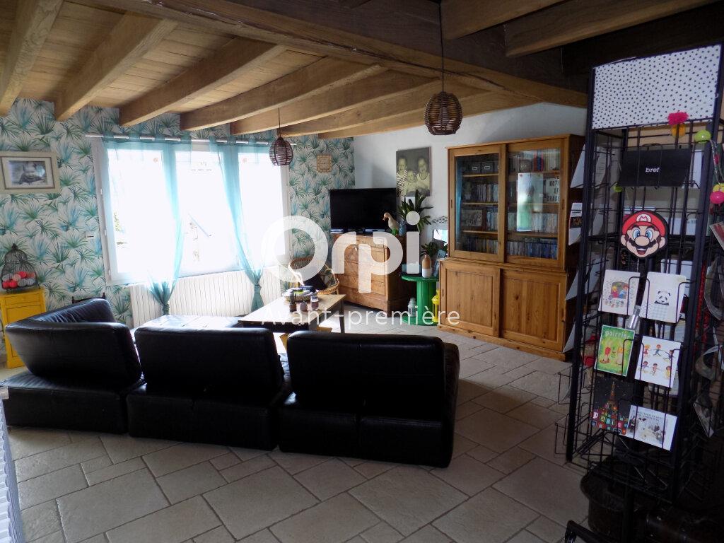 Maison à vendre 6 140m2 à Saint-Aubin-le-Cloud vignette-3