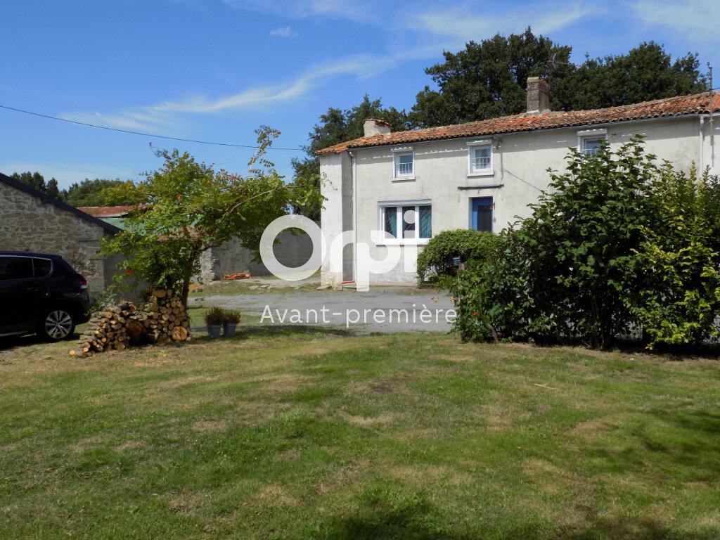 Maison à vendre 6 140m2 à Saint-Aubin-le-Cloud vignette-4
