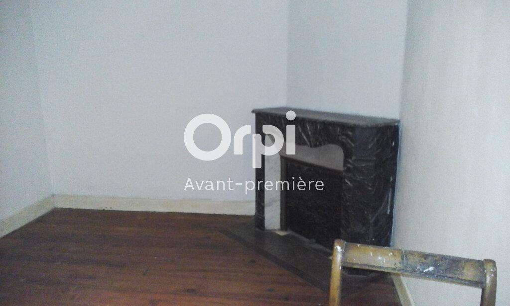Appartement à vendre 2 64m2 à Oloron-Sainte-Marie vignette-1