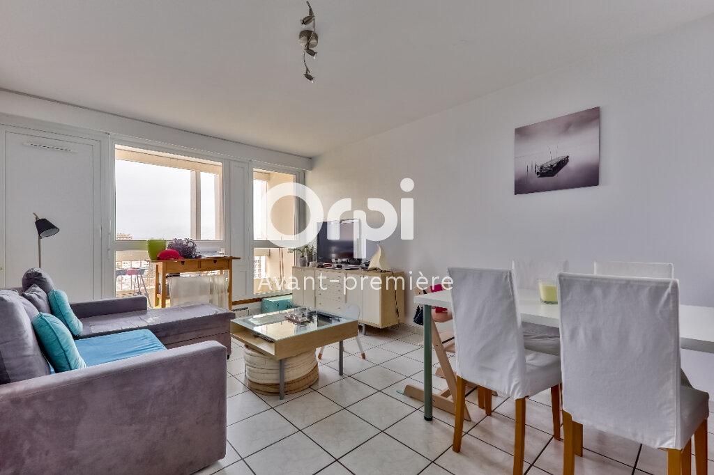 Appartement à vendre 3 61m2 à Villeurbanne vignette-2