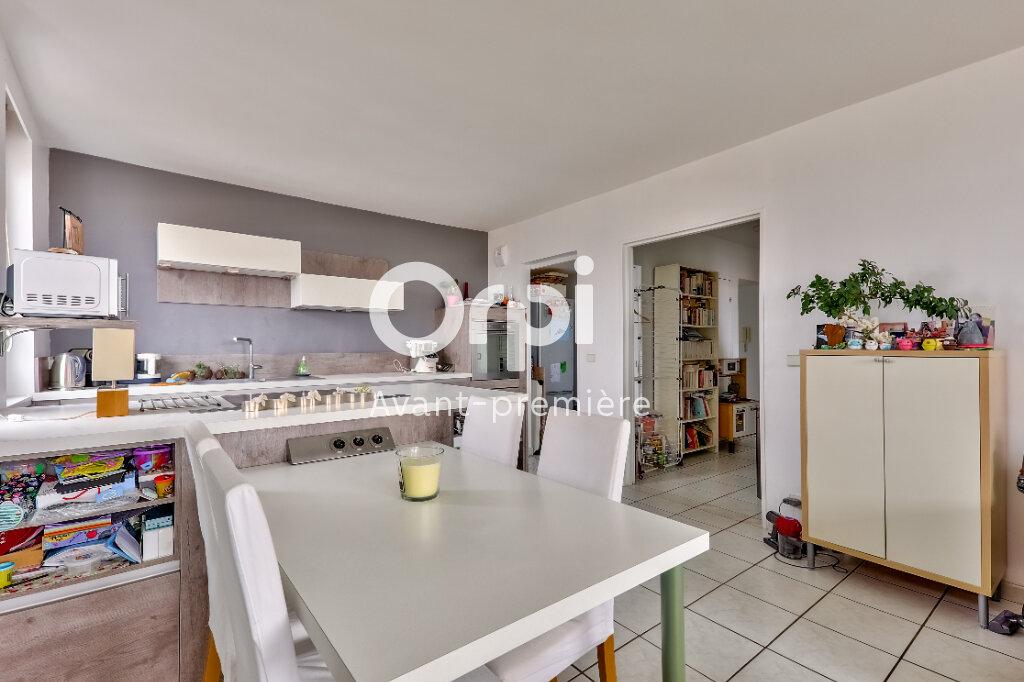 Appartement à vendre 3 61m2 à Villeurbanne vignette-8