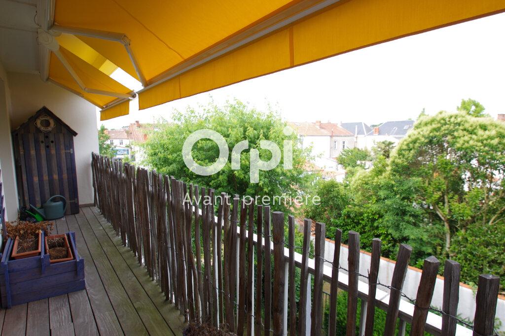 Appartement à vendre 5 112.6m2 à La Rochelle vignette-2