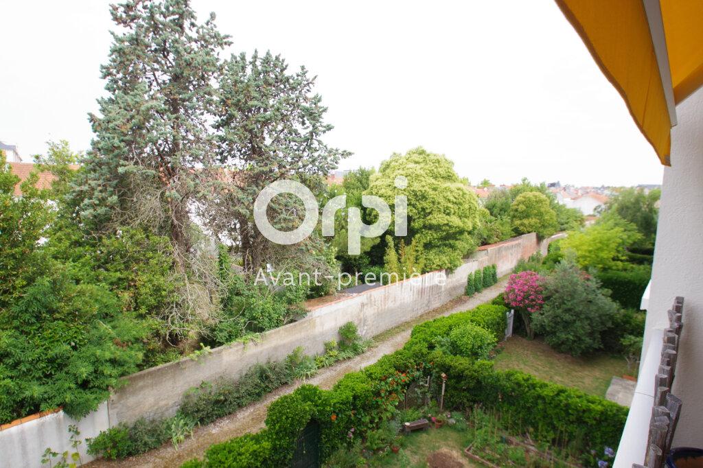 Appartement à vendre 5 112.6m2 à La Rochelle vignette-3