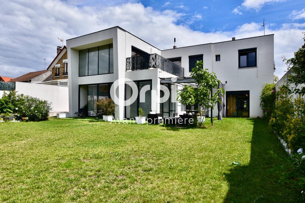 Maison à vendre 7 240m2 à Saint-Maur-des-Fossés vignette-1