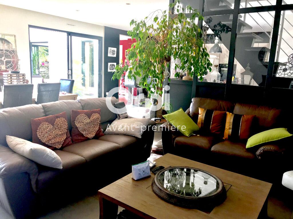 Maison à vendre 6 173.71m2 à La Rivière-Saint-Sauveur vignette-2