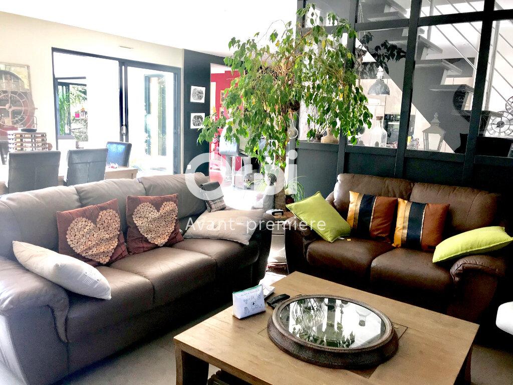 Maison à vendre 6 173.71m2 à La Rivière-Saint-Sauveur vignette-16