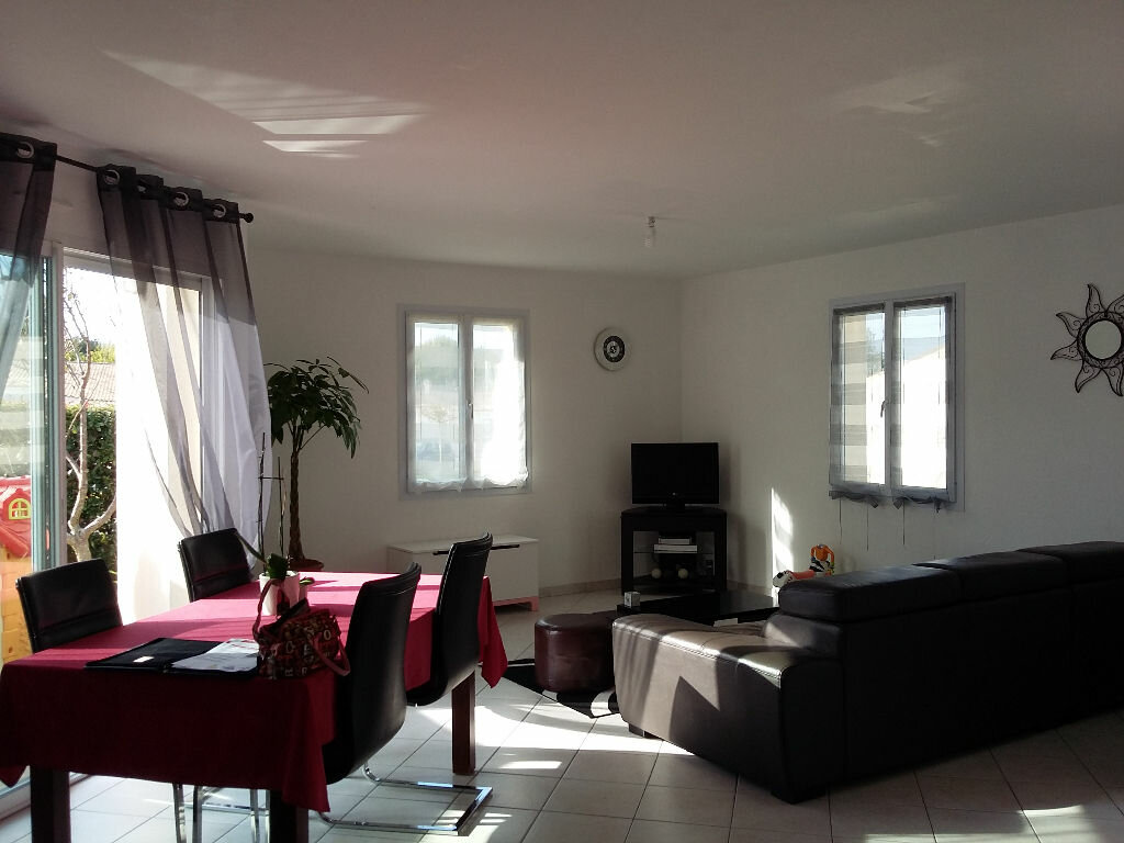 Achat Maison 4 pièces à Tonnay-Charente - vignette-3