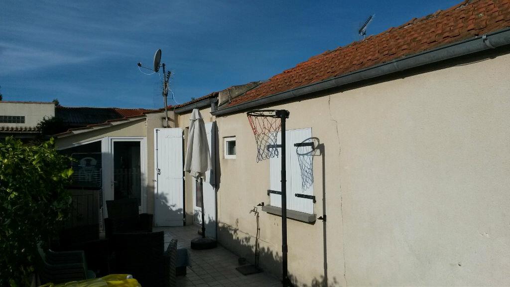 Achat Maison 2 pièces à Saint-Laurent-de-la-Prée - vignette-3