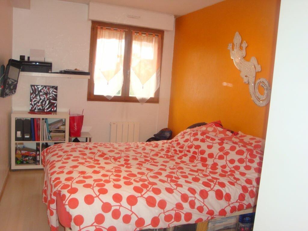 Achat Appartement 2 pièces à Saint-Pierre-de-Chandieu - vignette-4