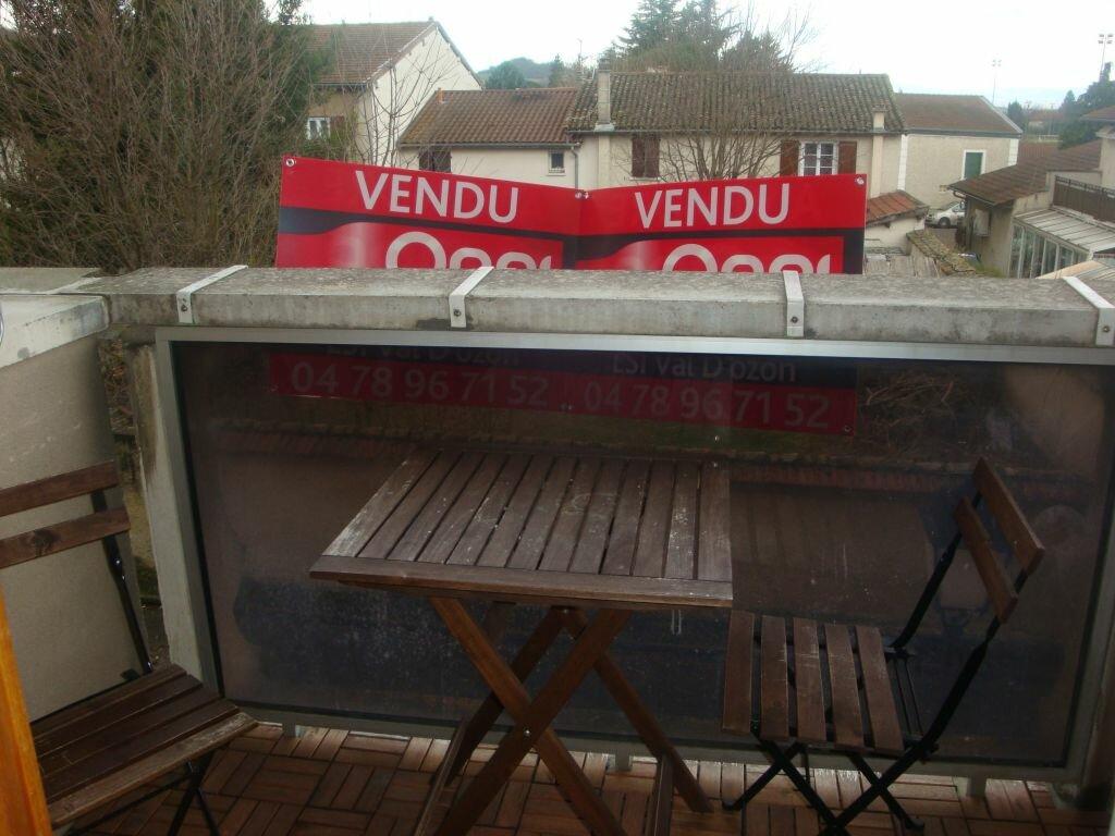 Achat Appartement 2 pièces à Saint-Pierre-de-Chandieu - vignette-5
