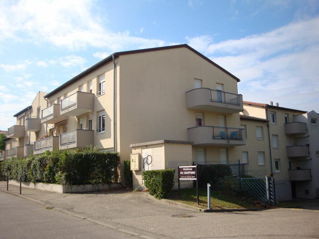 Achat Appartement 4 pièces à Sérézin-du-Rhône - vignette-1