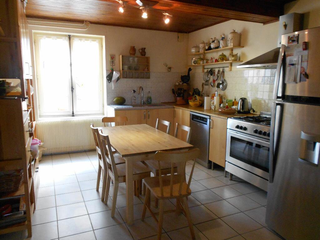 Achat Maison 6 pièces à Saint-Pierre-de-Chandieu - vignette-5