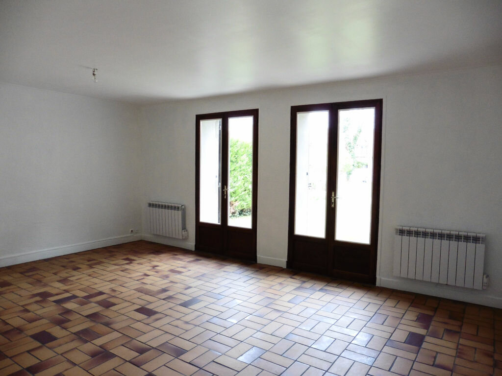 Achat Appartement 3 pièces à Crépy-en-Valois - vignette-2