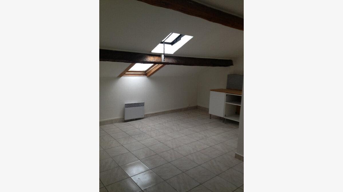 Location Appartement 3 pièces à Marseille 9 - vignette-1