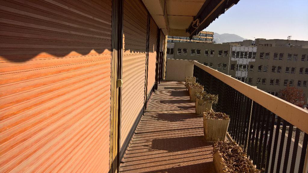 Achat Appartement 4 pièces à Marseille 6 - vignette-5