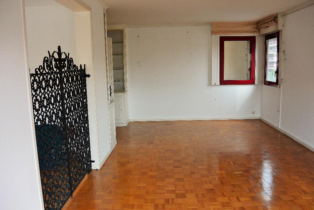 Achat Appartement 4 pièces à Marseille 6 - vignette-6