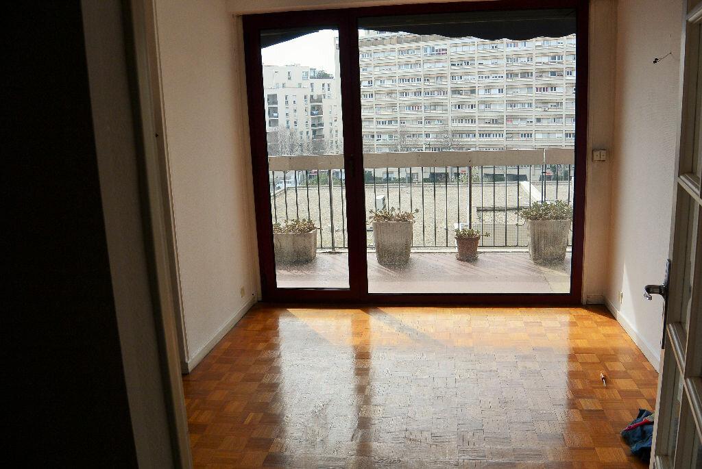 Achat Appartement 4 pièces à Marseille 6 - vignette-9