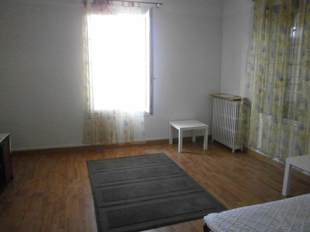Location Appartement 4 pièces à Argentan - vignette-1