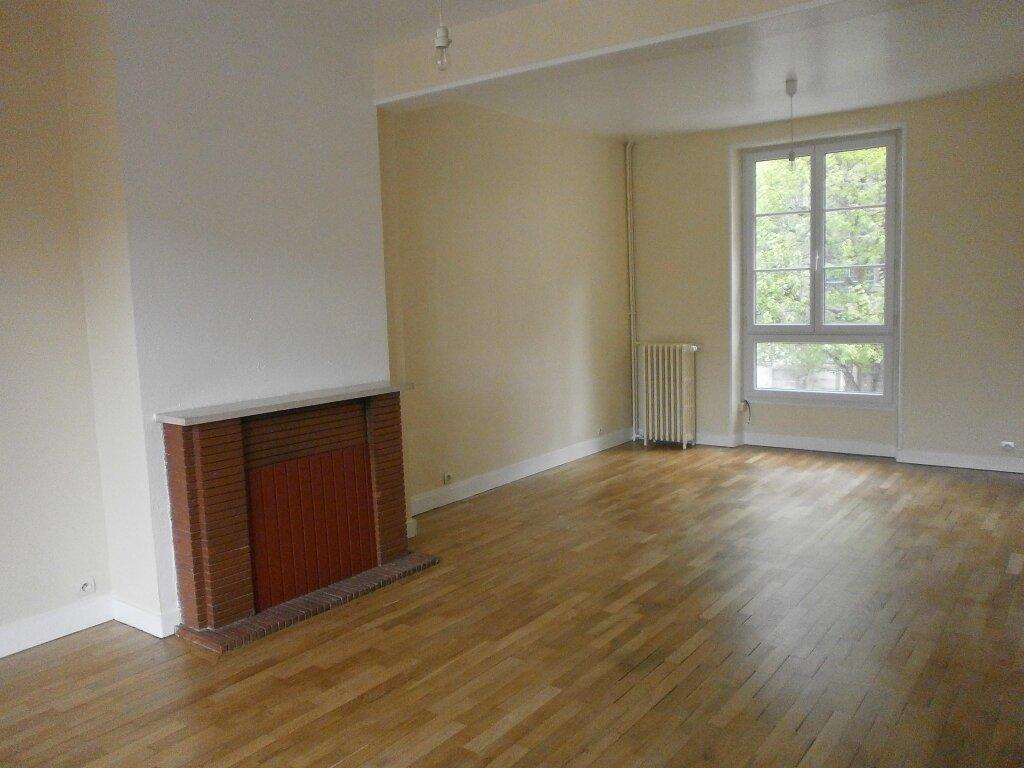 Location Appartement 6 pièces à Argentan - vignette-1