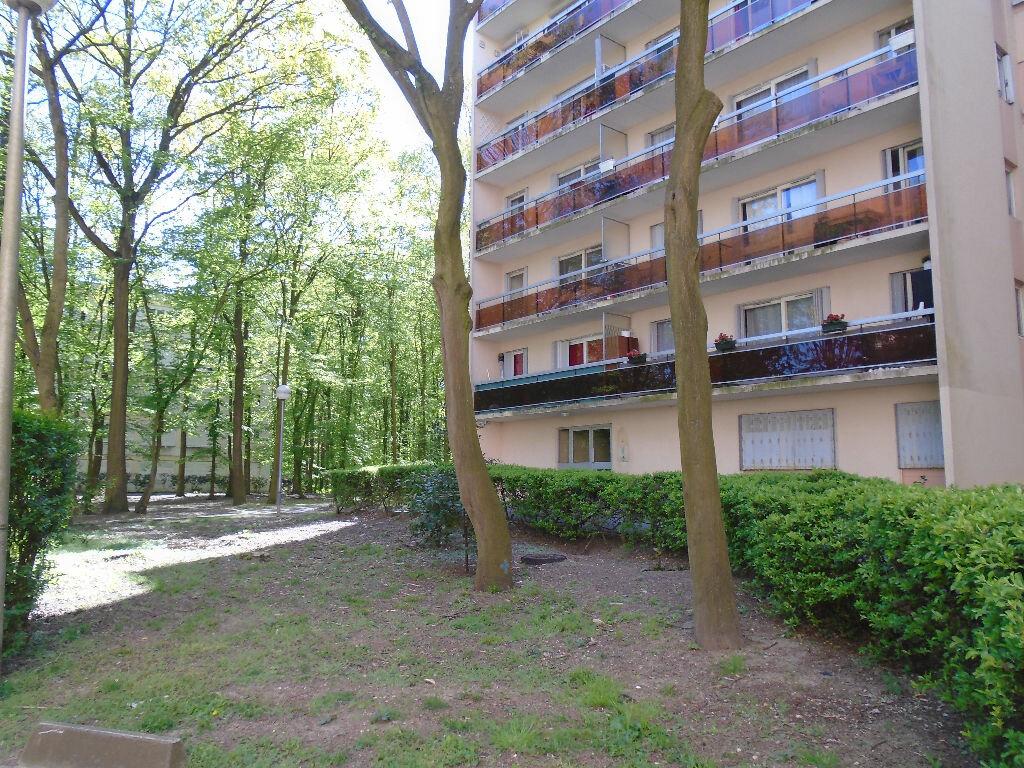 Achat Appartement 4 pièces à Tremblay-en-France - vignette-6