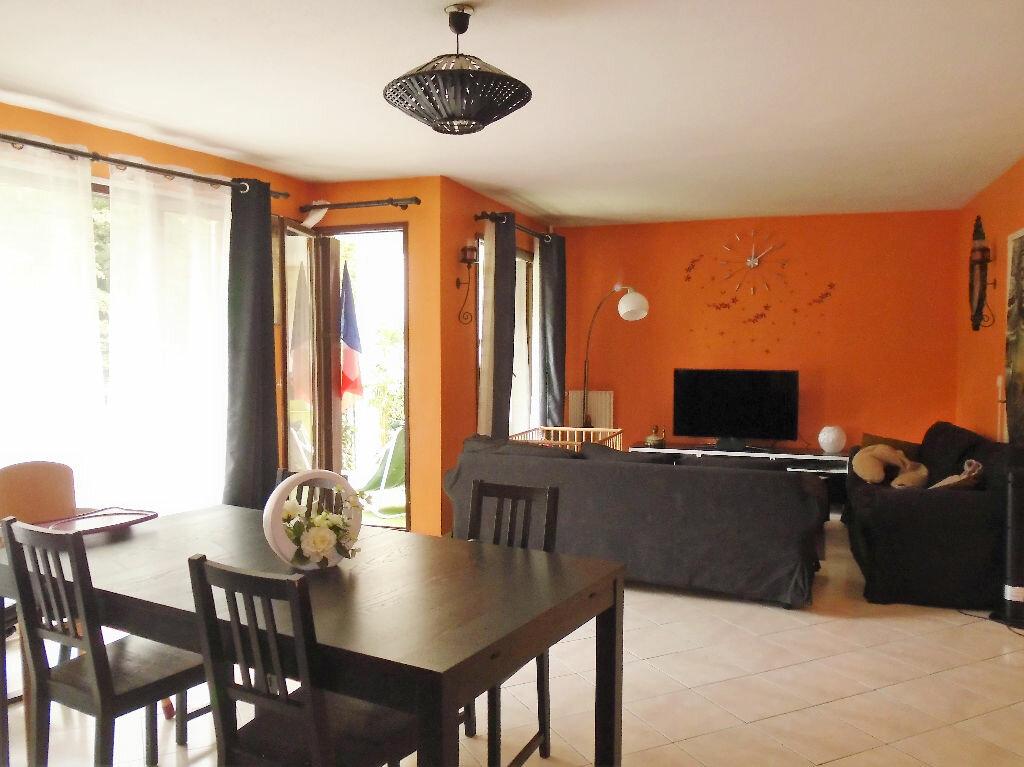Achat Appartement 5 pièces à Tremblay-en-France - vignette-1