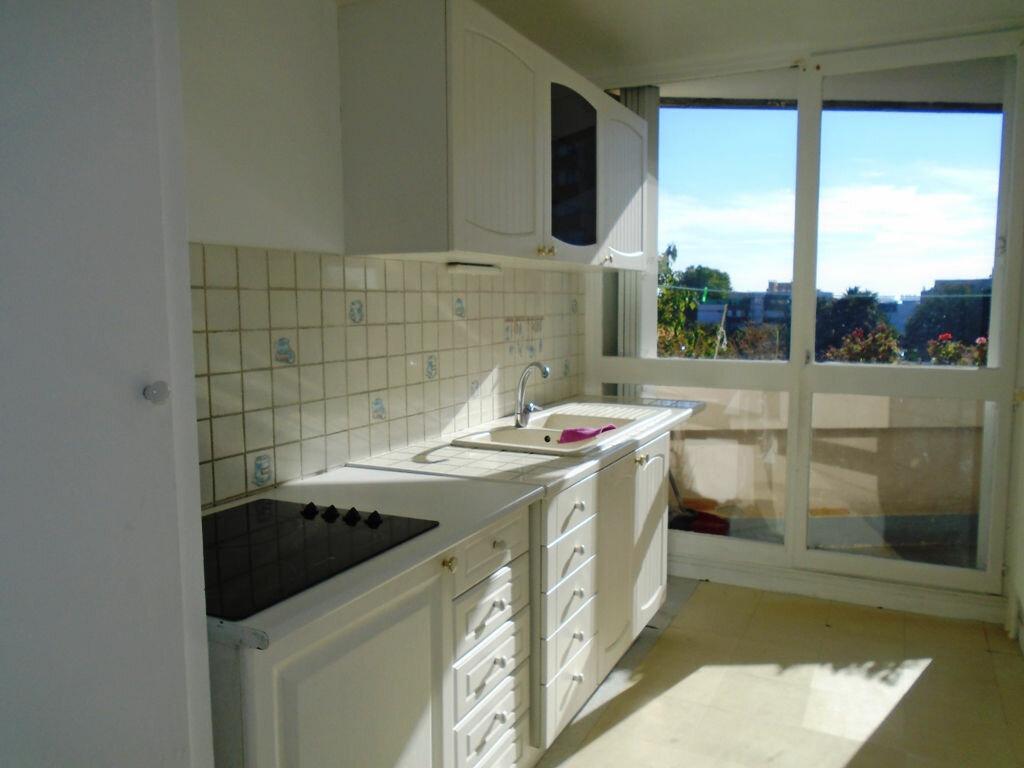 Location Appartement 4 pièces à Villepinte - vignette-1