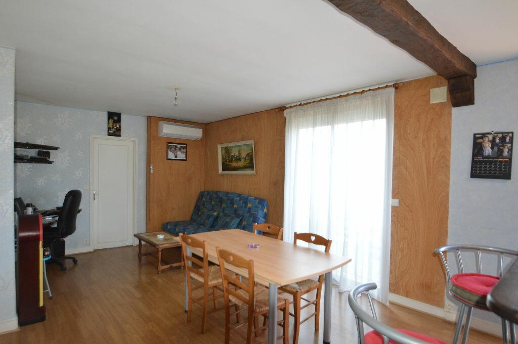 Achat Appartement 2 pièces à Notre-Dame-de-Sanilhac - vignette-1