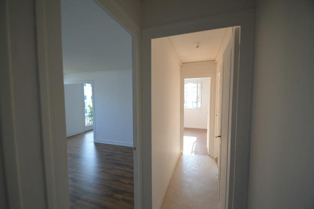 Achat Appartement 3 pièces à Notre-Dame-de-Sanilhac - vignette-5