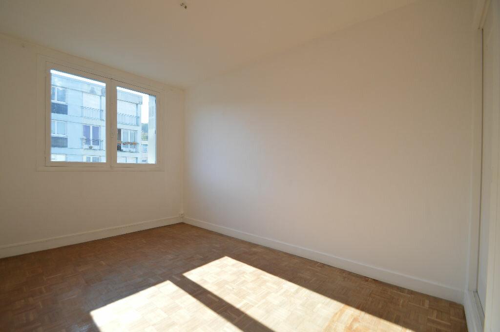 Achat Appartement 3 pièces à Notre-Dame-de-Sanilhac - vignette-6