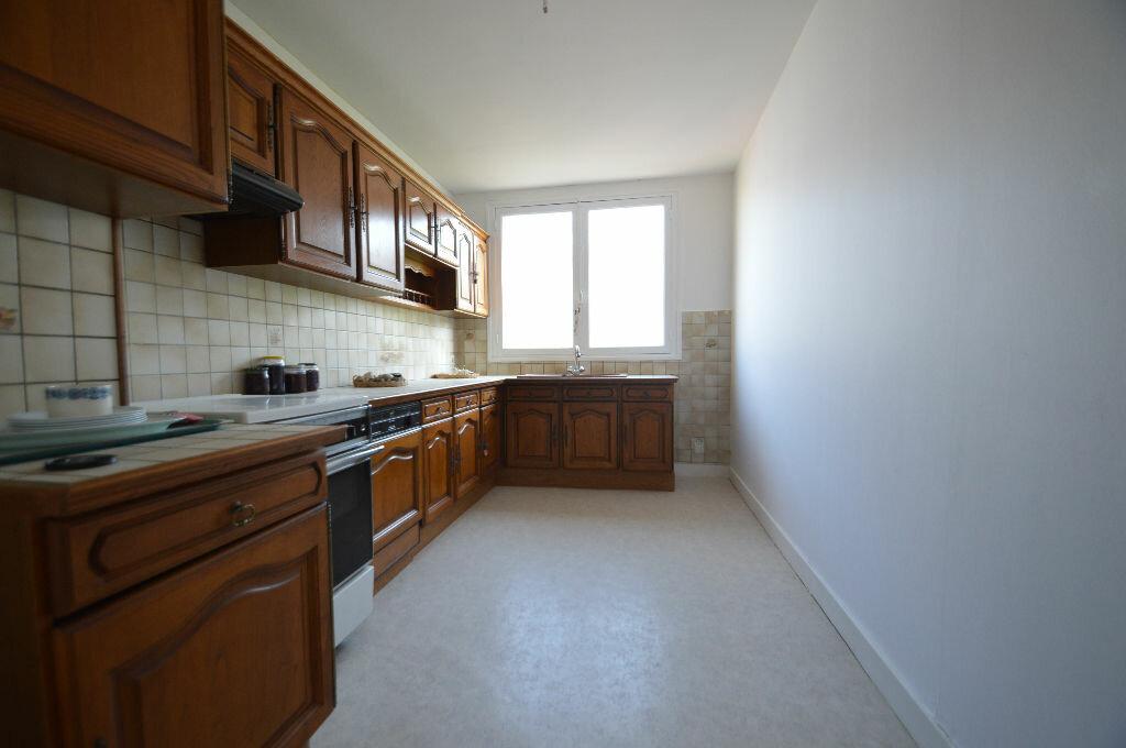 Achat Appartement 3 pièces à Notre-Dame-de-Sanilhac - vignette-9