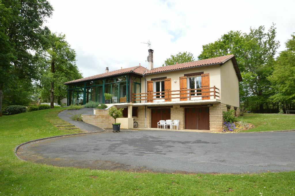 Achat Maison 6 pièces à Notre-Dame-de-Sanilhac - vignette-1