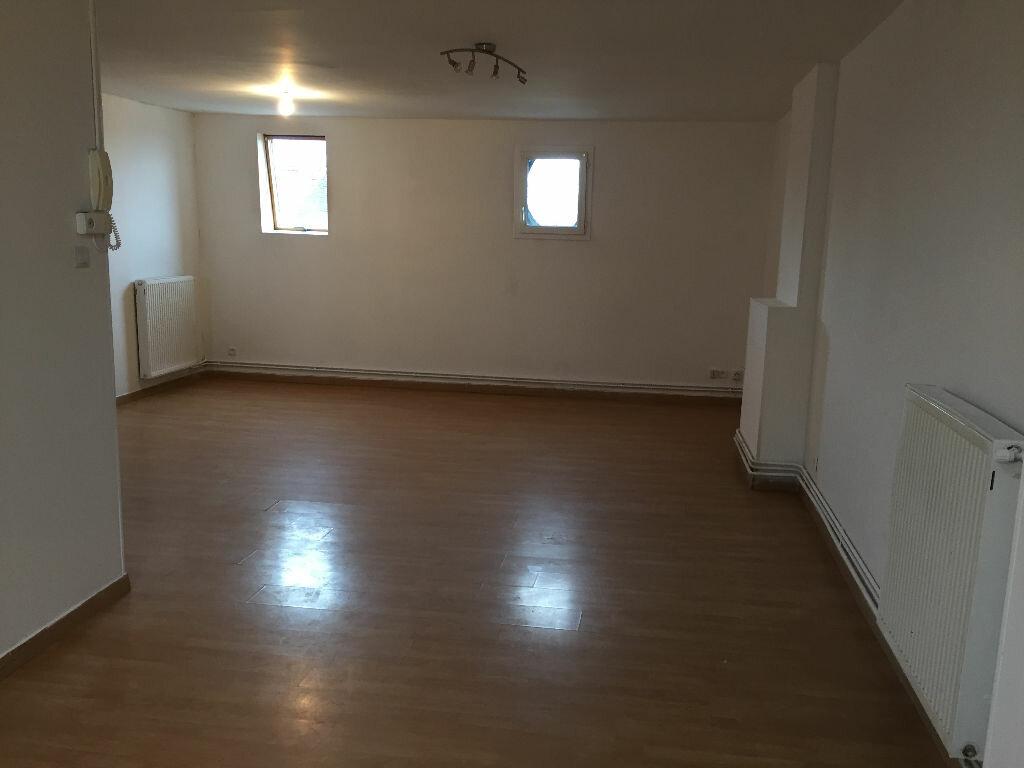 Location Appartement 3 pièces à Fresnes-sur-Escaut - vignette-1