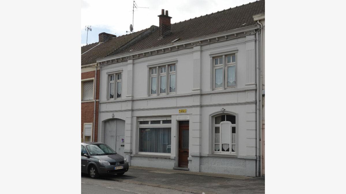 Achat Maison 10 pièces à Mortagne-du-Nord - vignette-1