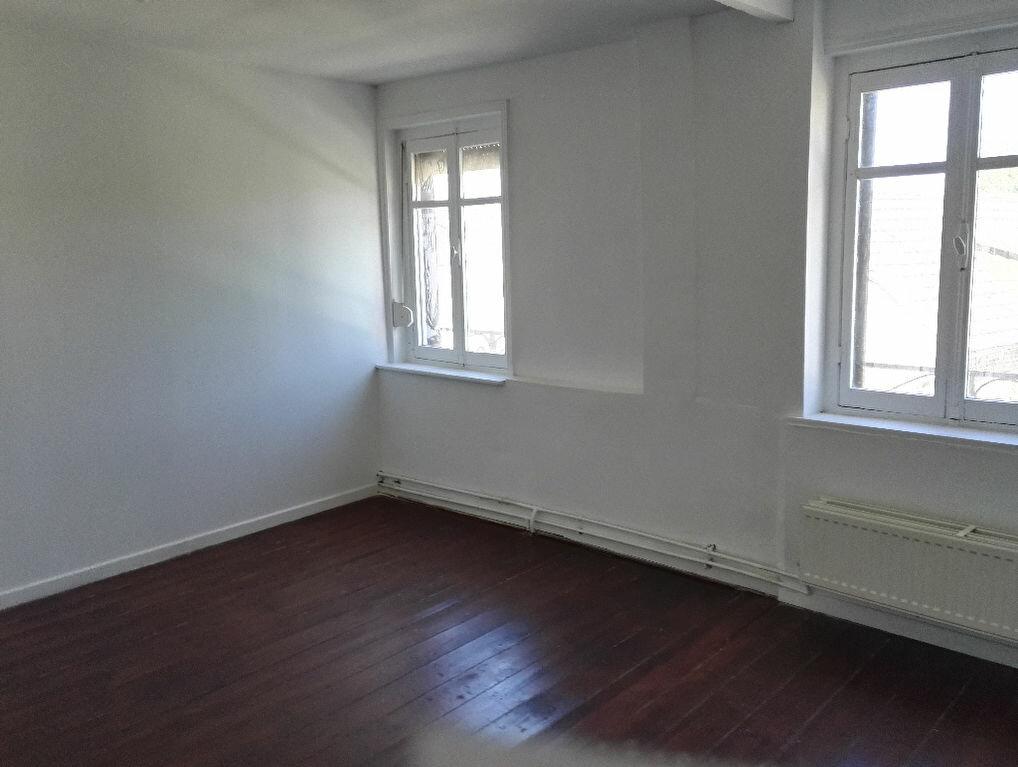 Location Maison 4 pièces à Hasnon - vignette-1