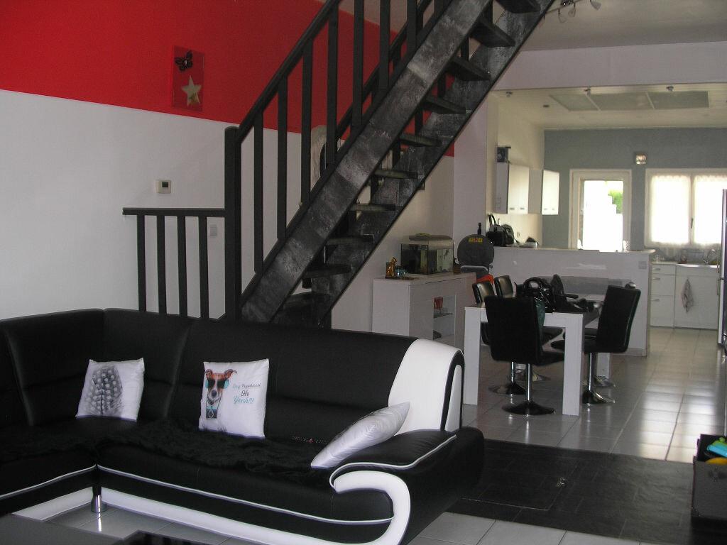 Achat Maison 5 pièces à Bruay-sur-l'Escaut - vignette-1