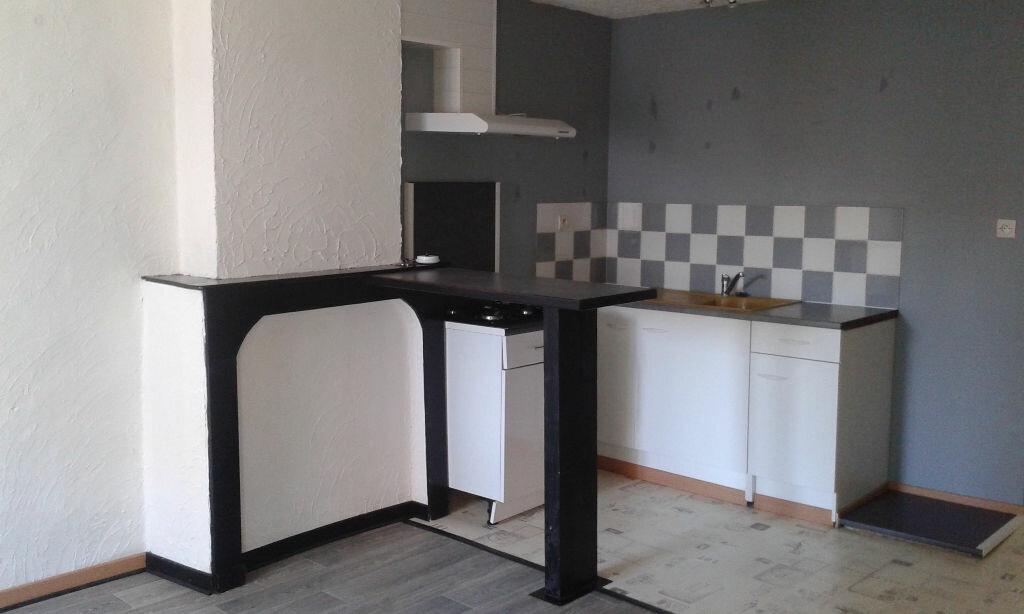 Location Appartement 2 pièces à Saint-Amand-les-Eaux - vignette-1