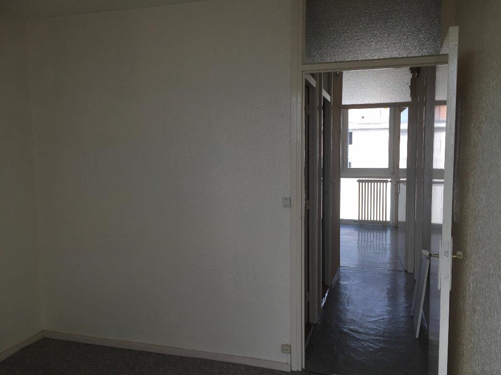 Location Appartement 3 pièces à Maubeuge - vignette-3