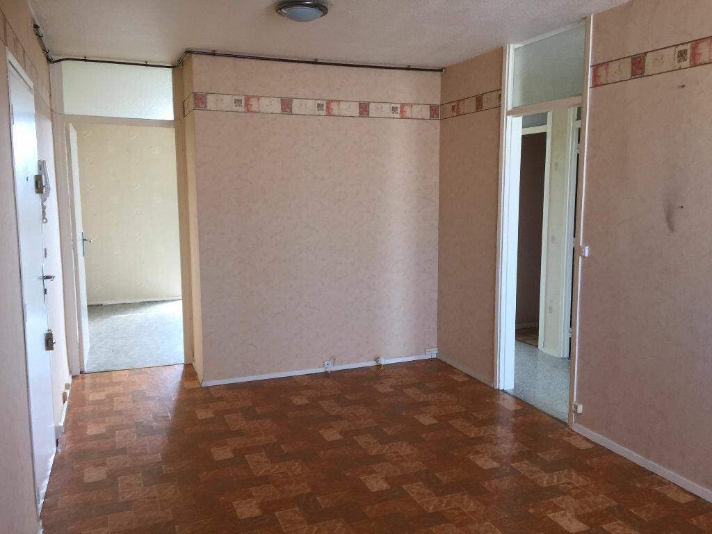 Location Appartement 3 pièces à Maubeuge - vignette-5