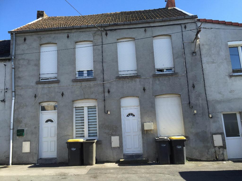 Location Maison 3 pièces à Maubeuge - vignette-1