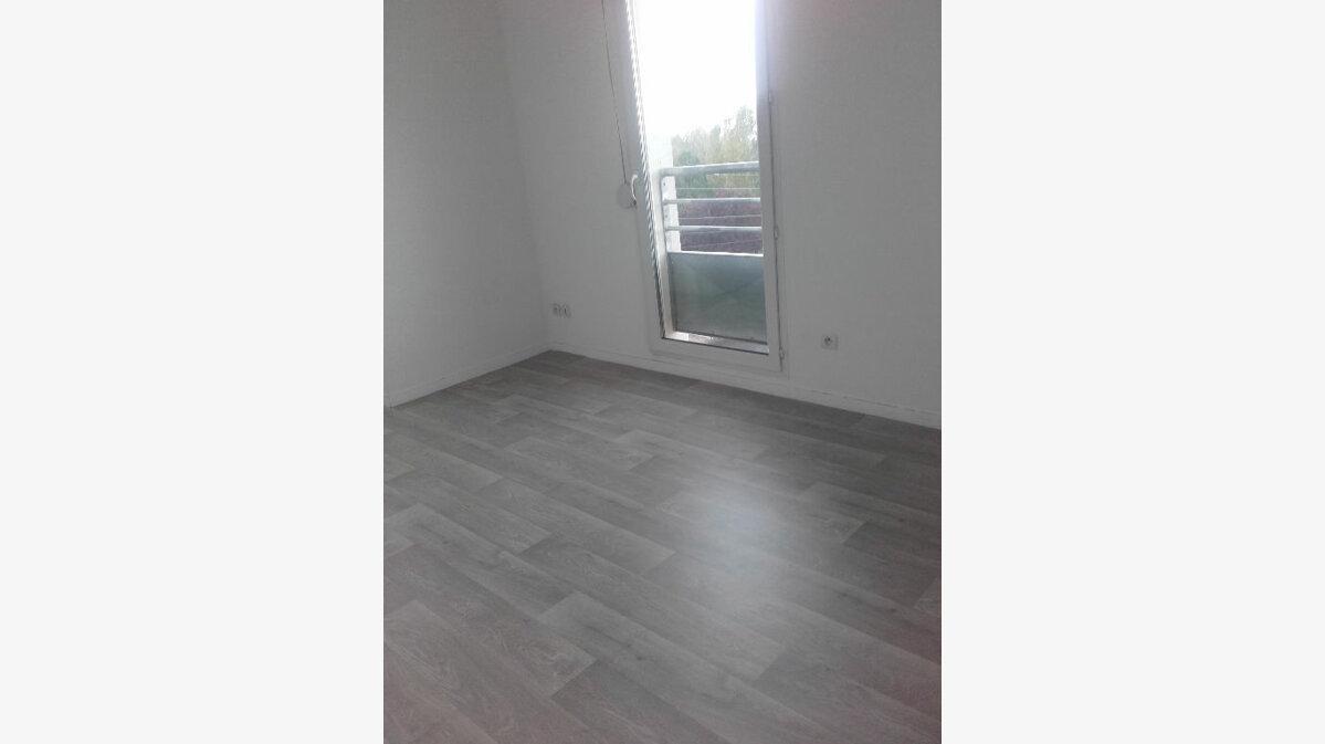 Location Appartement 3 pièces à Valenciennes - vignette-2