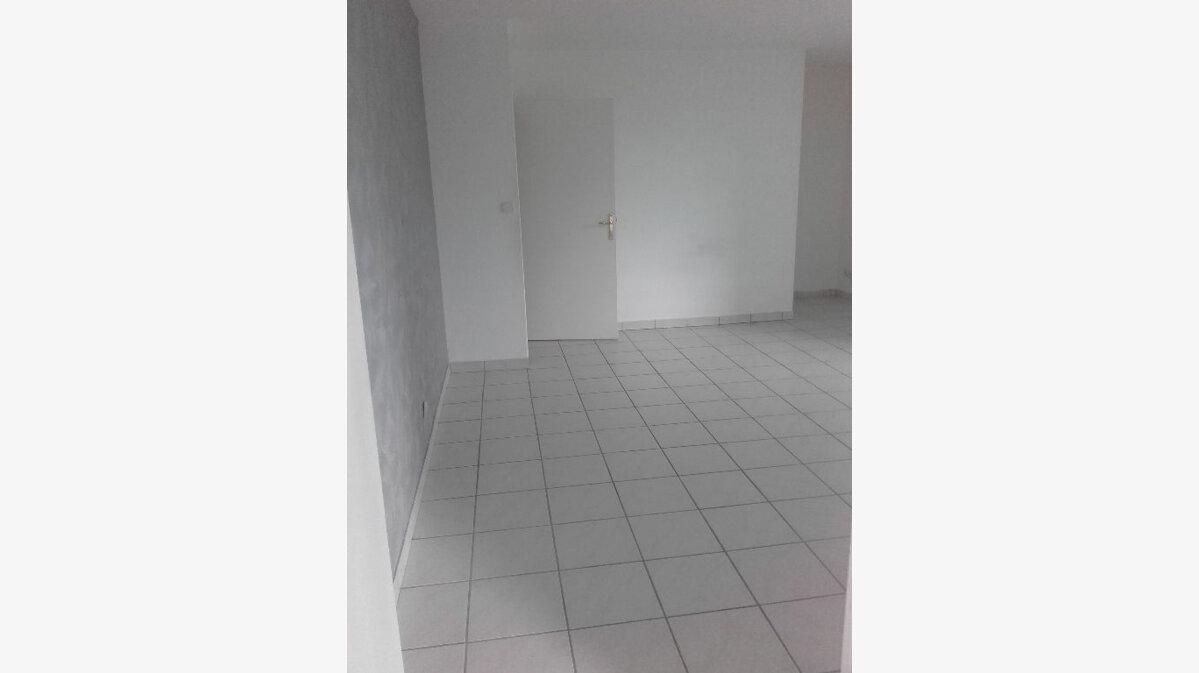 Location Appartement 3 pièces à Valenciennes - vignette-3