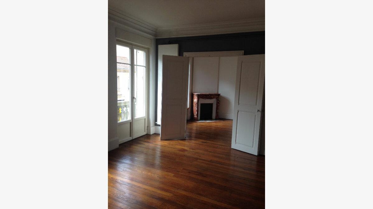 Location Appartement 4 pièces à Nancy - vignette-1