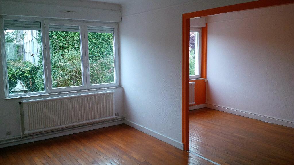 Location Appartement 4 pièces à Villers-lès-Nancy - vignette-1