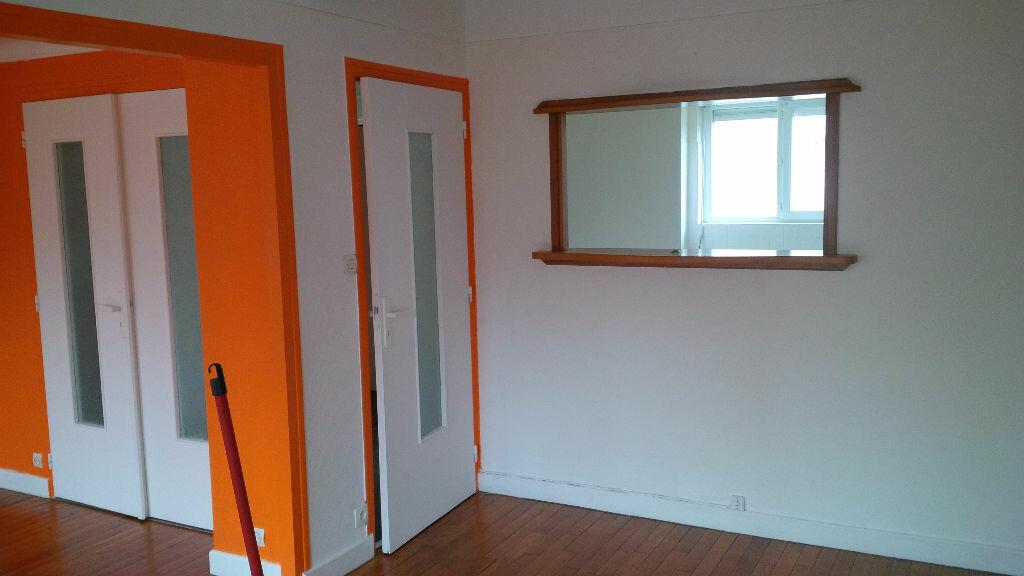 Location Appartement 4 pièces à Villers-lès-Nancy - vignette-4