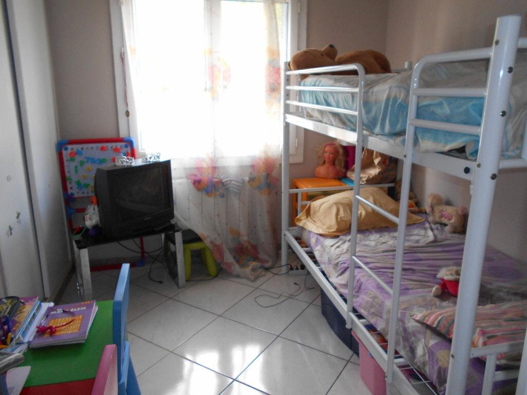 Achat Appartement 4 pièces à Toulon - vignette-3