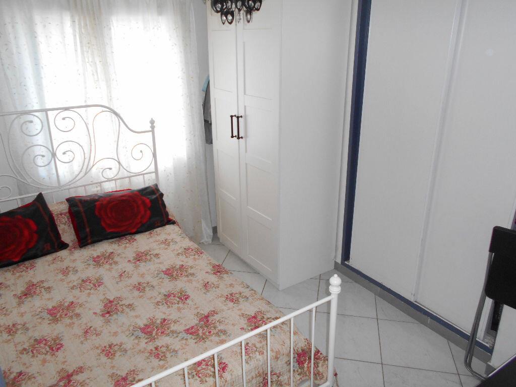 Achat Appartement 4 pièces à Toulon - vignette-4